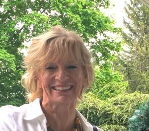 Ellen G Lahr headshot